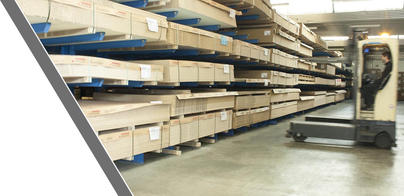 Almacén de madera y derivadosServicios auxiliares de canteado y mecanizado