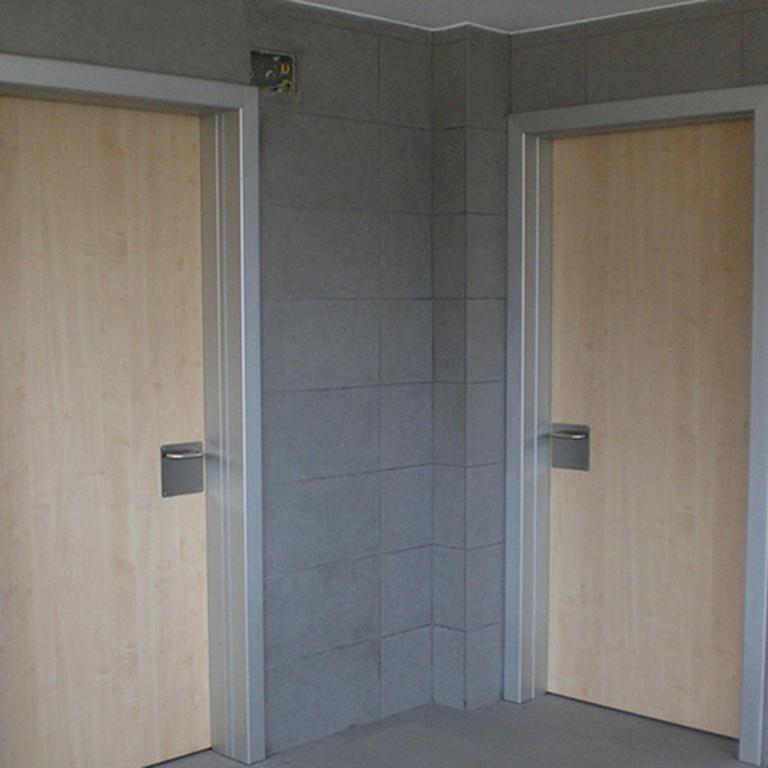 Manufacturas Marpe fabrica y suministra puertas de fabricación propia